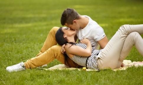 8 điều chứng tỏ anh ấy là người sẽ dành cả cuộc đời để yêu bạn