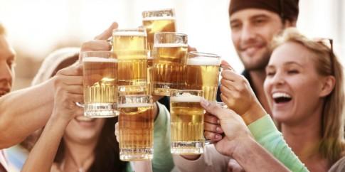 9 lợi ích của việc uống bia đúng cách