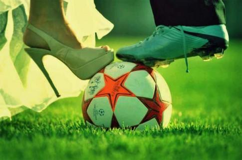 Anh có thích một cô gái yêu bóng đá không?