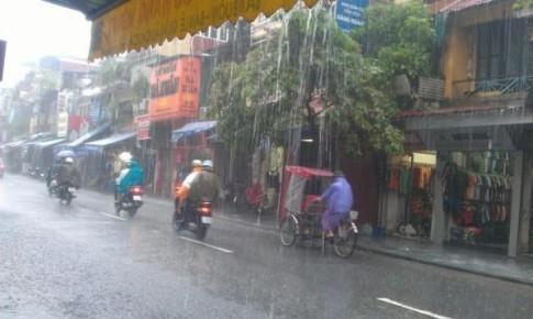 Bắc Bộ khả năng mưa rất to, Hà Nội đề phòng tố lốc