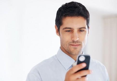 Bí mật ẩn giấu đằng sau tin nhắn bất thường của vợ