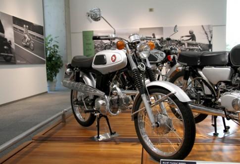 Bộ ảnh chiếc Honda 67 chất như quả đất tại Nhật