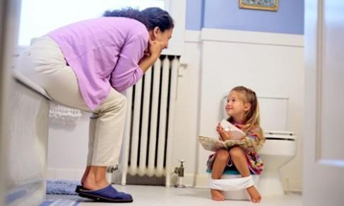 Cách dạy trẻ đi vệ sinh của các bà mẹ trên thế giới