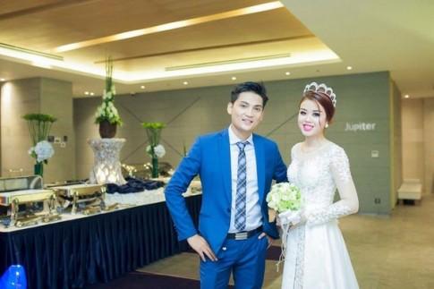 Cặp đôi Sài Thành nhảy múa, tặng trăm triệu quà cho khách dự đám cưới