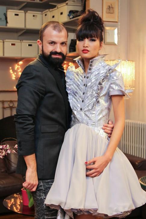 Chà Mi trình diễn thời trang cao cấp tại Paris