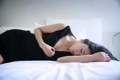 Chiều chồng khi mang thai tháng thứ 7, người vợ trẻ vẫn bị đánh phũ phàng