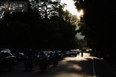 Chùm ảnh: Hà Nội đã rải nắng vàng sau những ngày mưa tầm tã