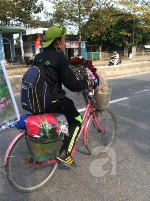 """Chuyện chàng trai si tình đạp xe nghìn cây số """"để người yêu hết giận"""""""