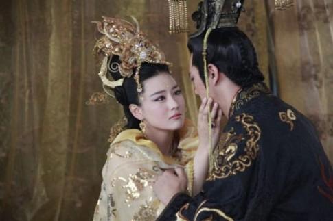 Chuyện người phụ nữ mê hoặc vua để trả thù cho người yêu
