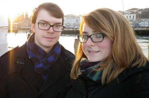 Chuyện tình hy hữu của cặp đôi sinh cùng ngày, cùng phòng bệnh viện