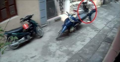 [Clip] Trộm IC của xe Honda Lead trong vòng tích tắc
