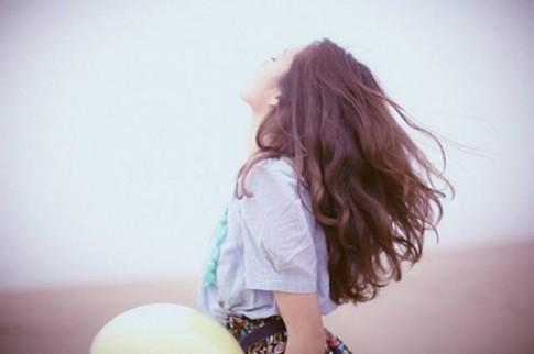 Con gái càng cố vui vẻ, tỏ ra mình không sao thì trái tim càng đau đớn khôn nguôi...