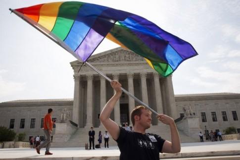Cộng đồng LGBT Việt nói gì khi hôn nhân đồng giới được hợp pháp hóa tại Mỹ?