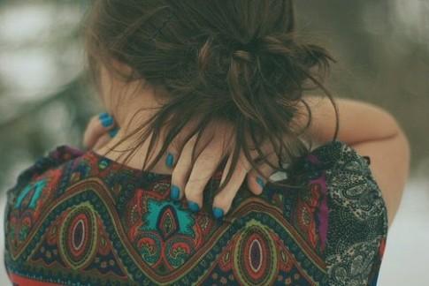 Cũng chẳng còn có điều gì làm em khổ khi bỗng nghĩ về anh...