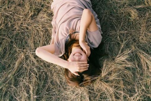 Cuộc đời này quá ngắn để ôm nỗi buồn vì một điều không đáng...