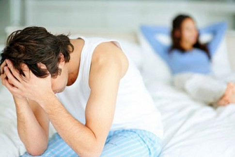 """Đau đớn khi vợ khoe """"chiến tích"""" với trai trẻ"""