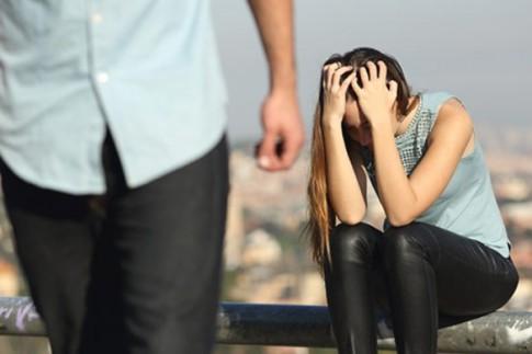 Đợi chồng và bồ bỏ nhau để ly hôn