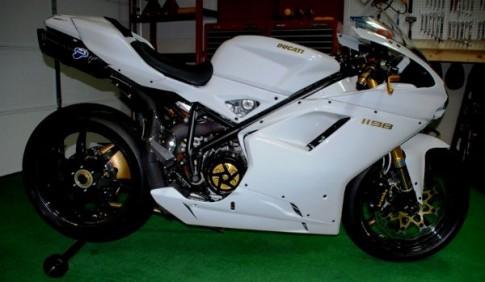 Ducati 1198 phiên bản độ trắng tinh khôi