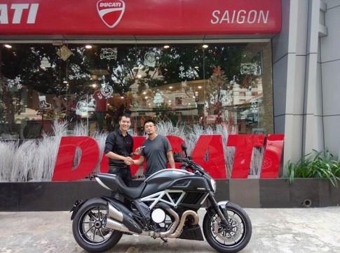 Ducati Diavel 2015 mới tậu của đạo diễn Charlie Nguyễn