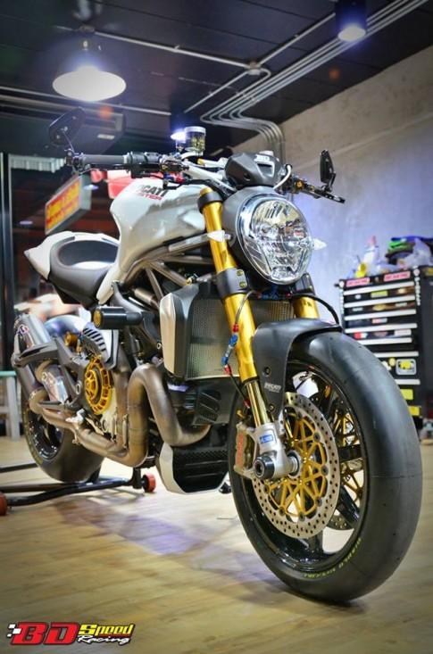 Ducati Monster 1200 độ siêu khủng với dàn đồ chơi hàng hiệu