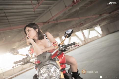Ducati Monster 1200S độ chất lừ bên cạnh cô nàng cá tính
