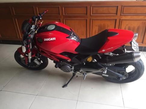 Ducati Monster 795 pô Slip On Termignoni đủ giải tán đám đông trog 2s
