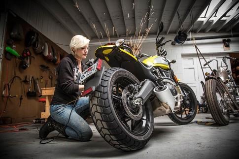 Ducati Scrambler của cô nàng nhà báo xinh đẹp