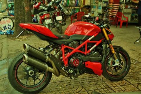 Ducati StreetFighter S đầy đồ chơi của dân chơi Sài Thành