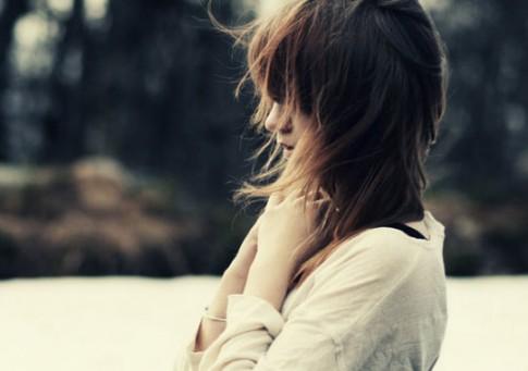 Em không ngu ngốc để chạy theo một tình yêu mãi mãi không thuộc về mình...