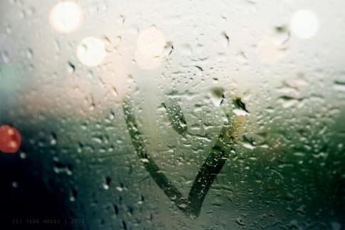 Gửi vào những cơn mưa mùa hạ đến với anh một lời yêu thương