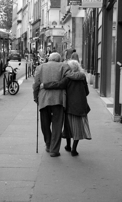 Hãy yêu thương cha mẹ nhiều hơn khi còn có thể...