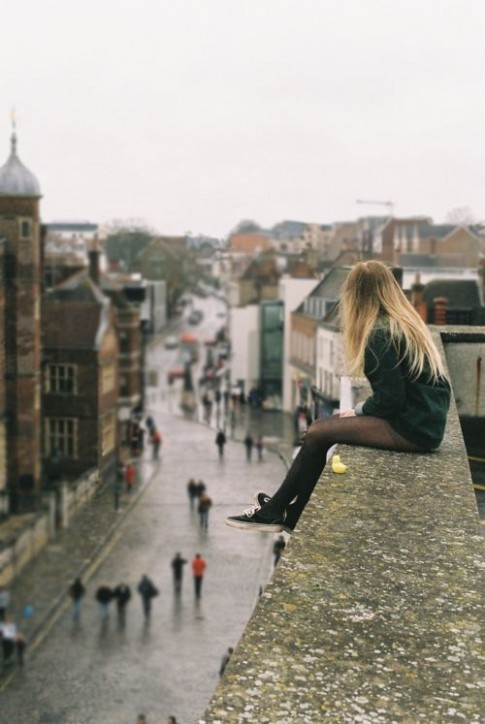 Hẹn hò với cô đơn mới biết cô đơn cũng vô tâm lắm