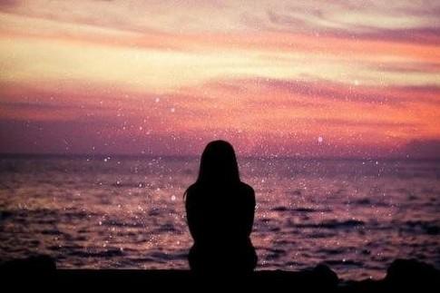 Hết yêu thì cứ buông, hứa hẹn chỉ mệt tâm nhau!
