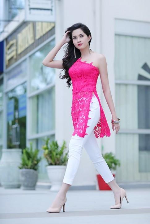 Hoa hậu Thu Thảo diện áo dài cách điệu