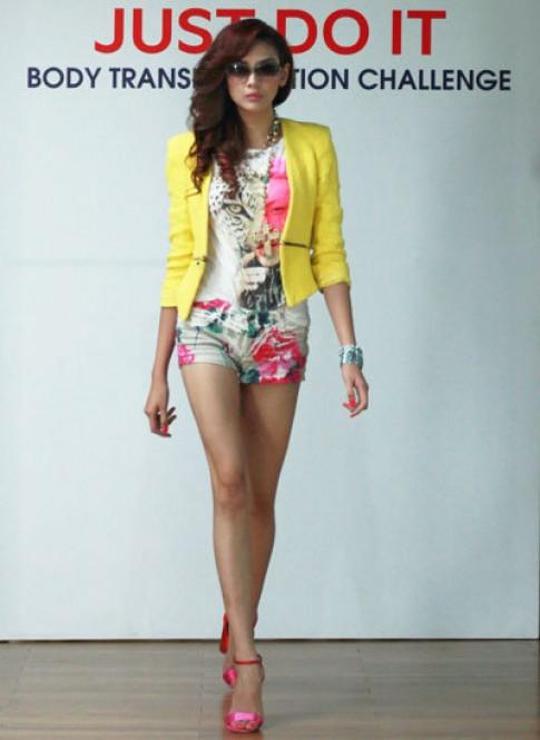 Hoàng Yến trên sàn tập Elle Fashion Show