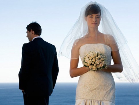 Hôn nhân: Có những thứ phải hót đi như rác