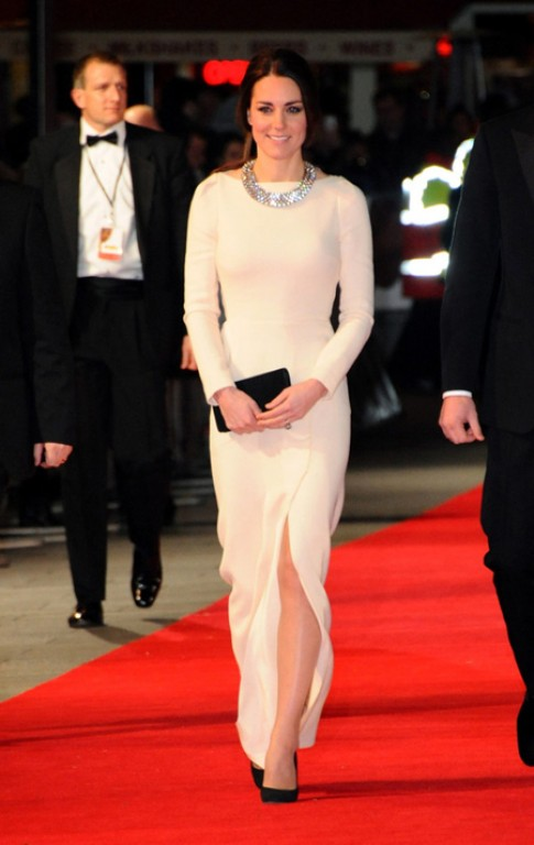Kate Middleton mặc đẹp nhất tuần
