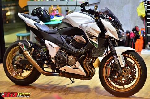 Kawasaki Z800 độ sành điệu cùng dàn phụ kiện hàng hiệu