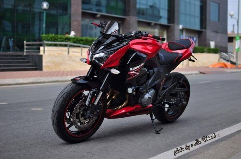 Kawasaki Z800 phiên bản màu đỏ độ khủng của biker Việt