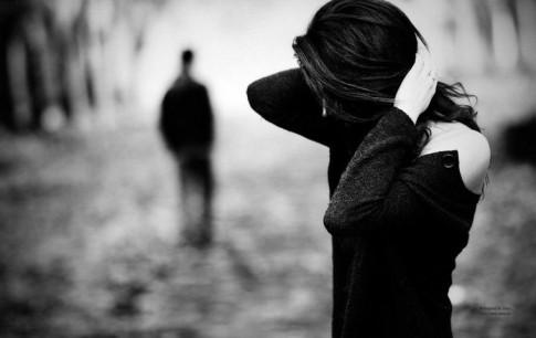 Khi đã yêu, mạnh mẽ đến đâu cũng trở thành yếu đuối...