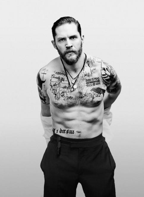 """""""Max điên"""" - Cú lột xác ngoạn mục của """"trai hư"""" Tom Hardy"""