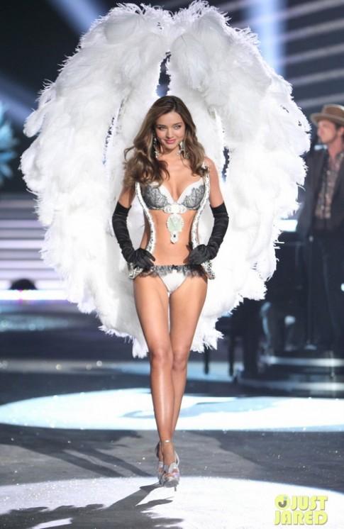 Miranda Kerr đẹp mê hồn trong show Victoria's Secret