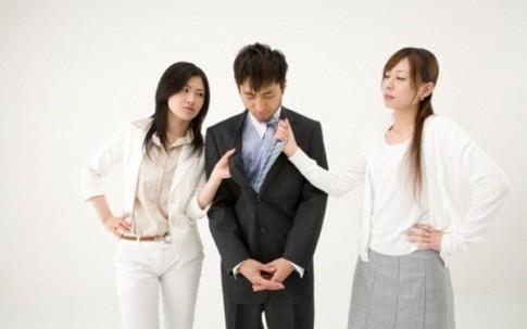 Mưu kế cướp chồng của cô em họ phản trắc