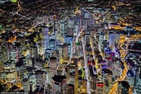 Ngắm các thành phố lớn rực ánh đèn từ độ cao 2.000m