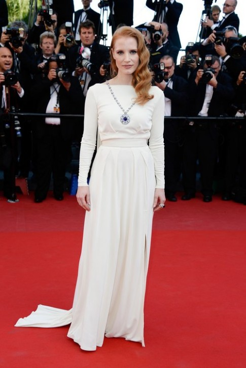 Những bộ váy trắng đẹp nhất thảm đỏ Cannes