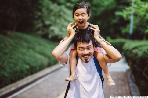 """Những bức ảnh cha và con gái """"chạm"""" trái tim người xem"""