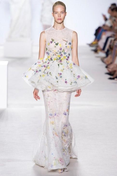 Những mẫu váy cao cấp đẹp nhất tuần thời trang Paris