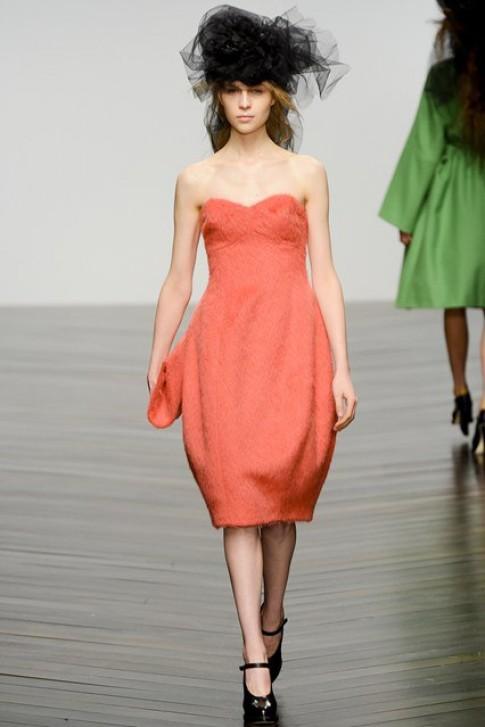 Những mẫu váy ngắn đẹp nhất Tuần Thời trang London