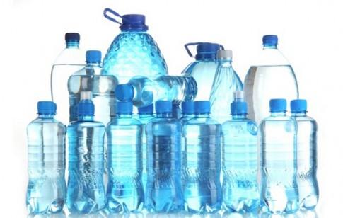 Những nguyên nhân không dùng nước đóng chai nhựa