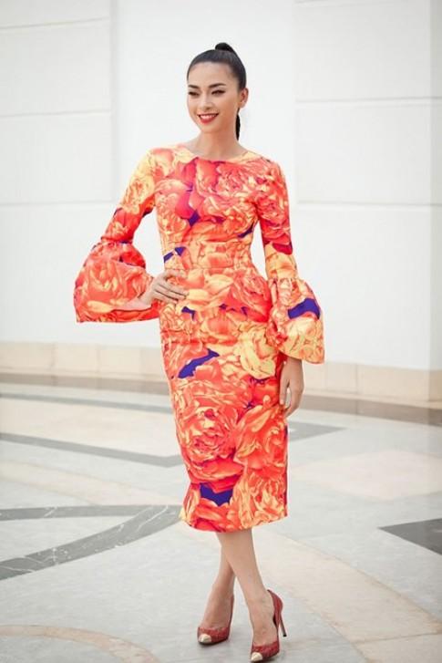 Những trang phục có phần đơn giản của Ngô Thanh Vân